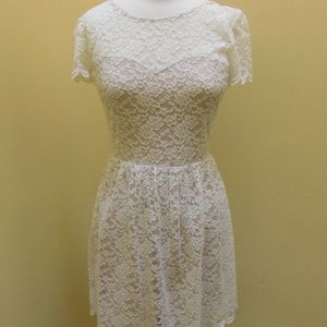 Express ivory lace dress size 6
